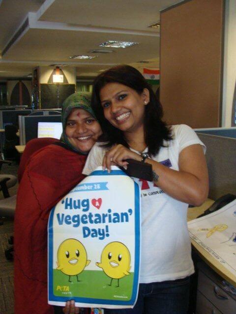 hug-a-vegetarian-day-2013-4