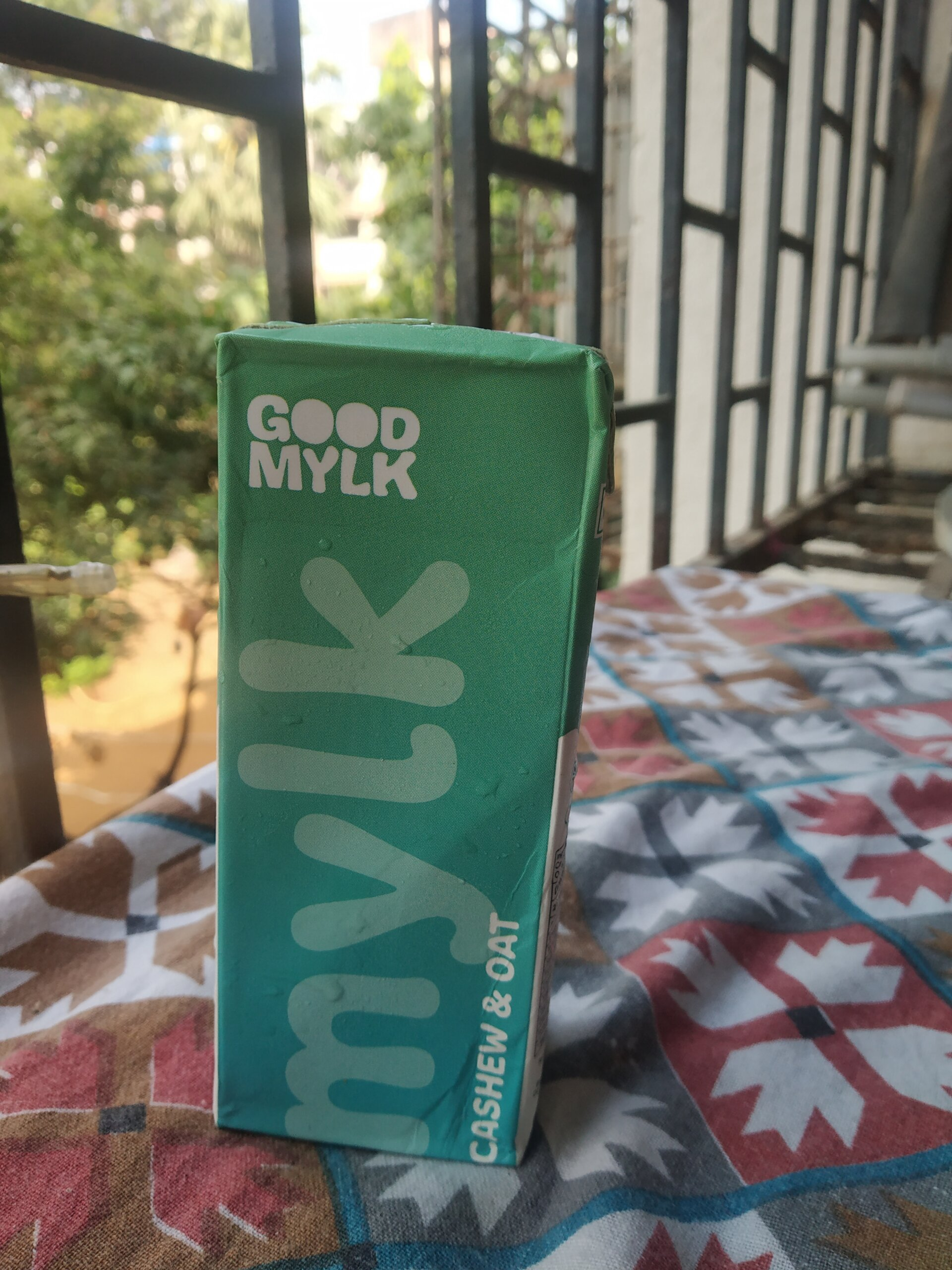 goodmylk cashew n oat milk