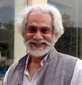 sunil-sethi-vegan-fashion-awards-judge