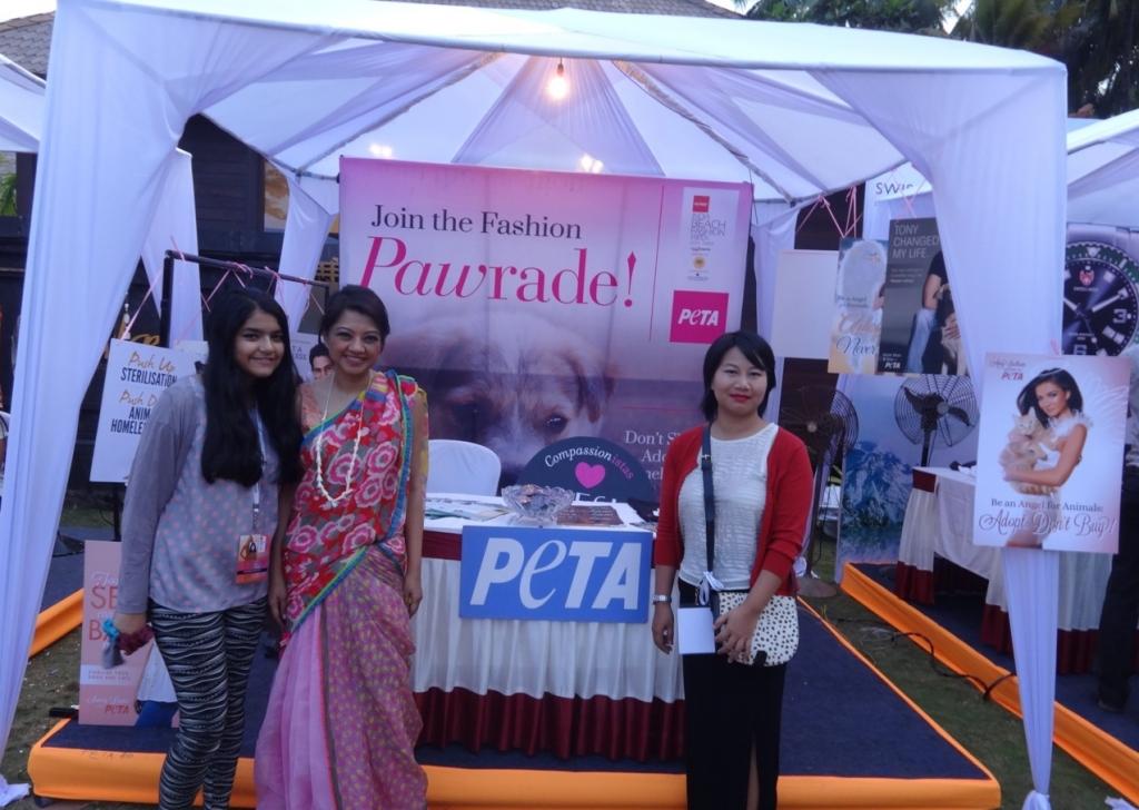 L-R (Anupama Dayal's daughter Teesta, Anupama Dayal and Asanafrom Anupama's team)
