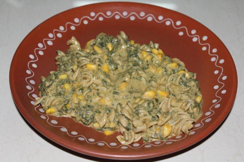 vegan spinach pasta with cashew cream
