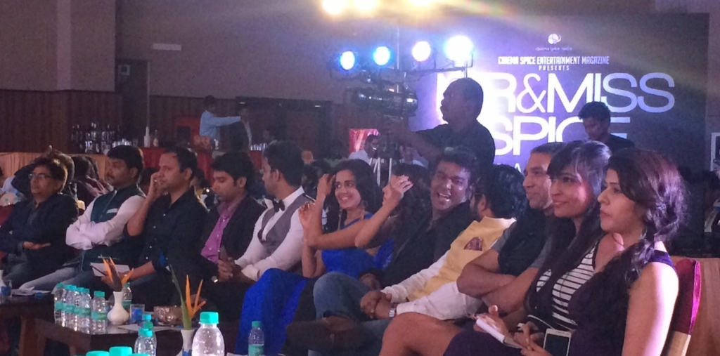 Benazir Suraiya sitting with actor Neha Pawar, cosmetic surgeon Dr Rajnikanth and actor Pradhayini.
