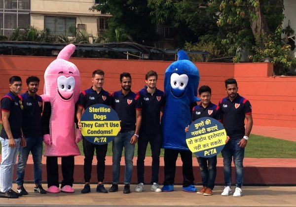 Hockey India League's Dabang Mumbai Promote Sterilisation