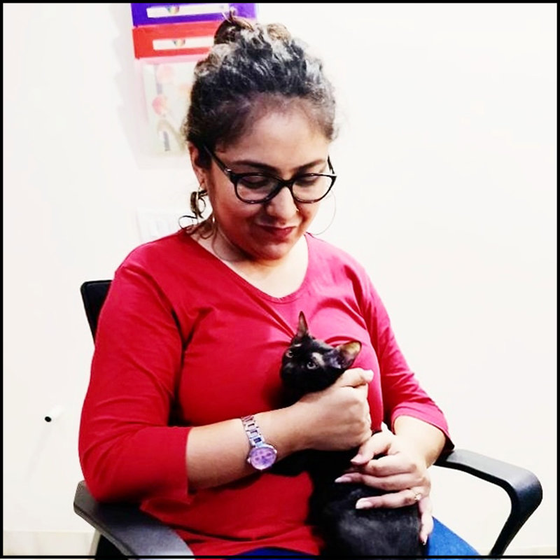 Shreoshi photo with cat for women's day