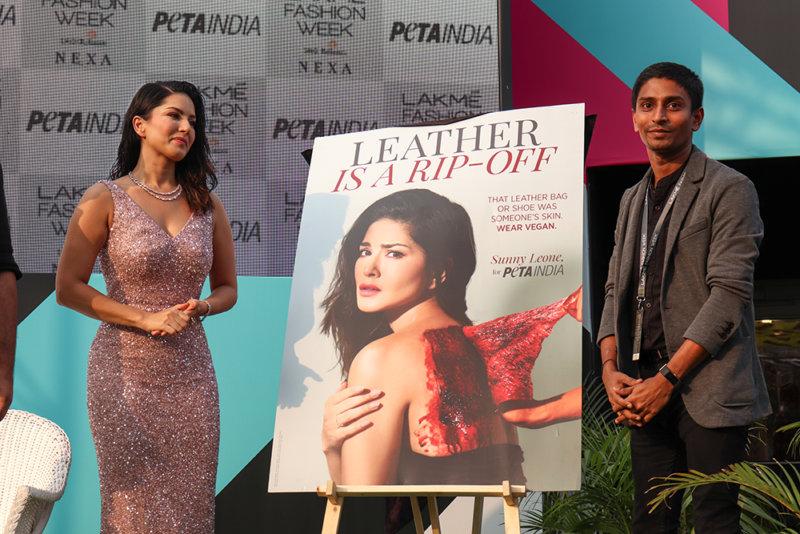 Sunny Leone Launch Photos (3)